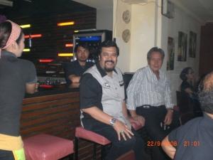 Pak Syamsul Rizal dan Pak Chan lagi di bar